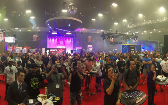 Expo crowd gathers for Ultimate DJ Giveaway.